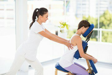 Massage Amma Assis en Entreprise Bayonne Biarritz Anglet Pays Basque avec ExcellenceWellness Massage Bien-être et Beauté Bio.