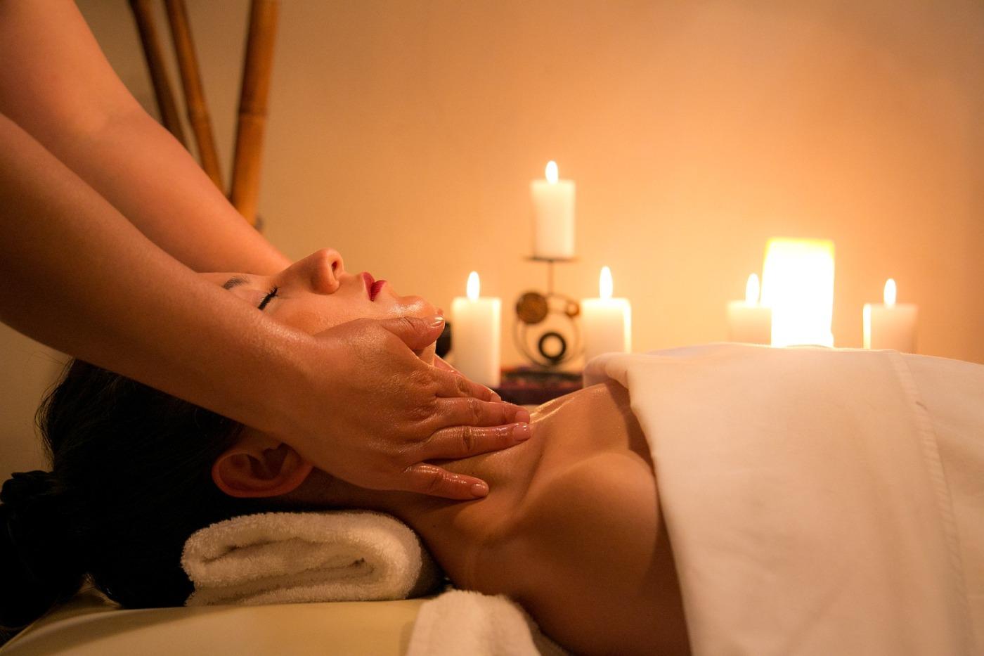 Bon Cadeau Massage Bayonne, Massage Professionnel, qualité et compétence, Massage Duo Bayonne, Chèque Cadeau Massage Bayonne, Soin du Corps Bayonne, ExcellenceWellness Massage Bien-être Bayonne, Spa de Beauté Bio.